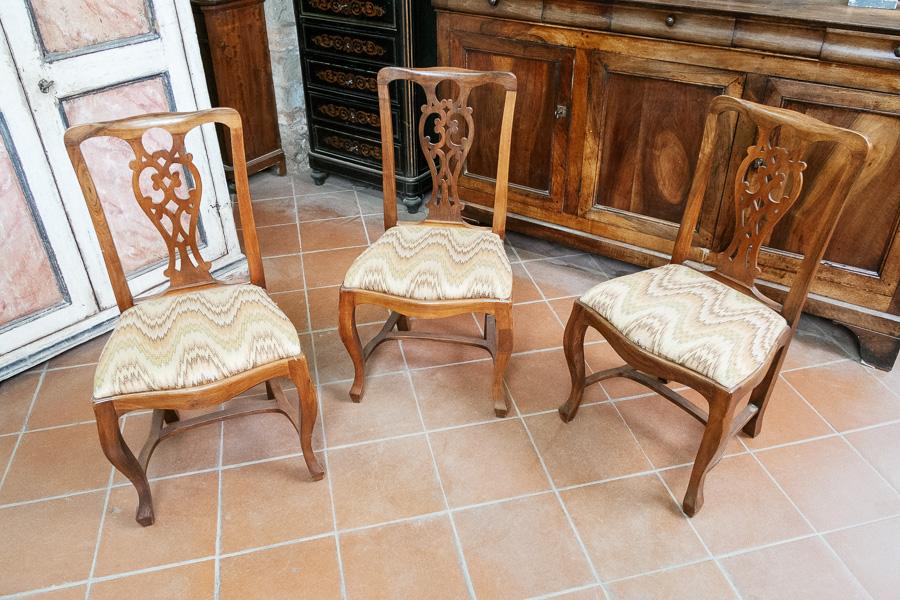 Sei sedie in noce con seduta imbottita - Margheri Antichità